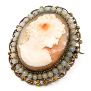 Antique cameo pearls